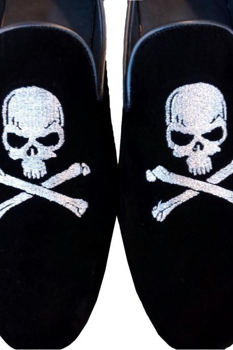 New Handmade Men Skull Embroiered Velvet Loafer Slippers, Men Moccasin Slippers